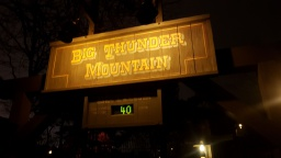 Big Thunder Mountain - Disneyland Paris (18/12/2016)